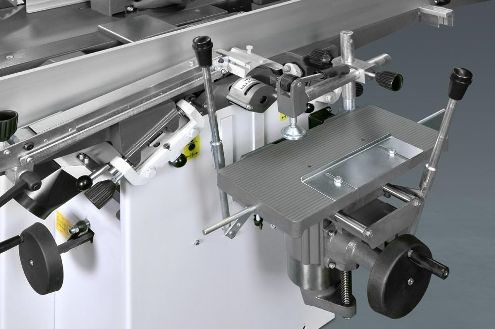 La mortaiseuse, facile à enlever, est pourvue de deux leviers escamotables et d'un mandrin de 0 à 16 mm.
